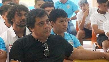 ÔngCarlos Oliveira mất việc khi mùa giải mới chưa bắt đầu.