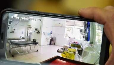 Bệnh nhân Li Ding được chăm sóc trong phòng cách ly tại Bệnh viện Chợ Rẫy