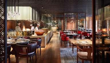 Nhiều nhà hàng, khách sạn cho biết vẫn dành những thực đơn, món quà bất ngờ nhất cho các cặp đôi trong ngày tình yêu - Ảnh: S.T
